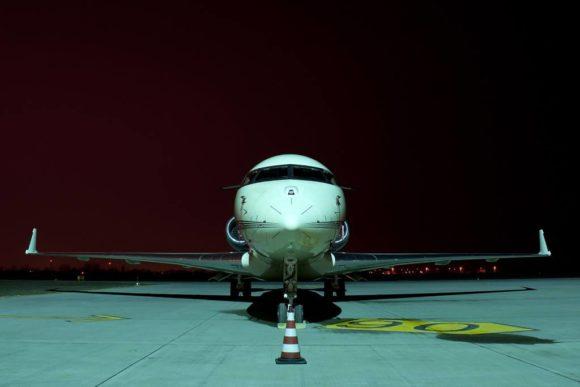 Avion_pe_OMR