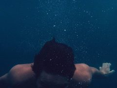 diving-455765_960_720